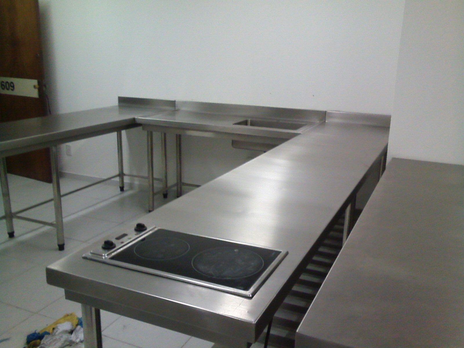 Mesa Com Cooktop Embutido