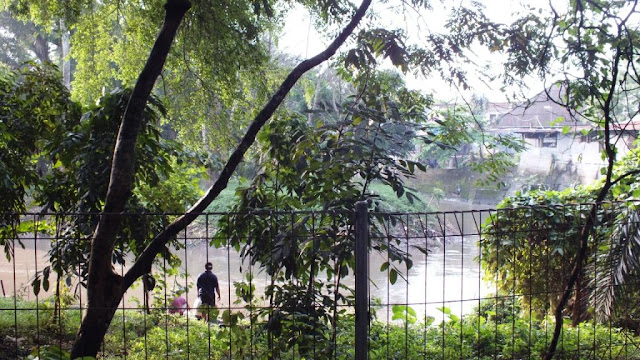 aliran sungai babura dekat areal taman beringin