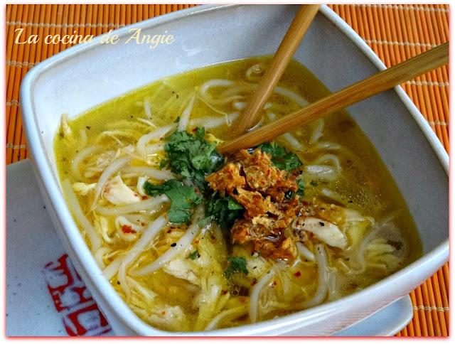 Sopa De Noodles Con Pollo Estilo Thai (kuay Tiew)
