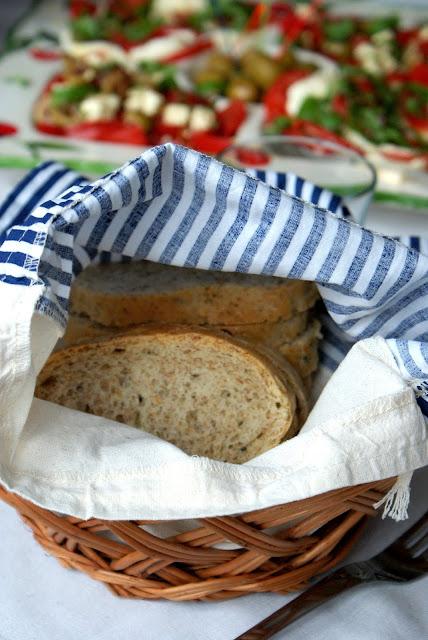 najprostszy chleb,chleb na drożdżach, chleb z ziarnami, prosty chleb graham,z kuchni do kuchni,katarzyna franiszyn luciano,najlepszy blog kulinarny,hit chleb,jak upiec chleb,