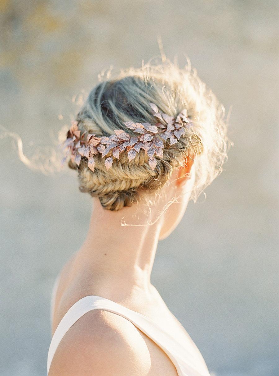 12 tocados dorados para novias elegantes blog de bodas for Tocados elegantes para bodas