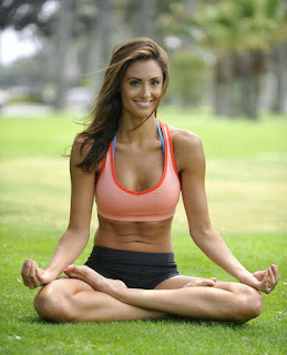 Cara Megencangkan Payudara dengan Yoga