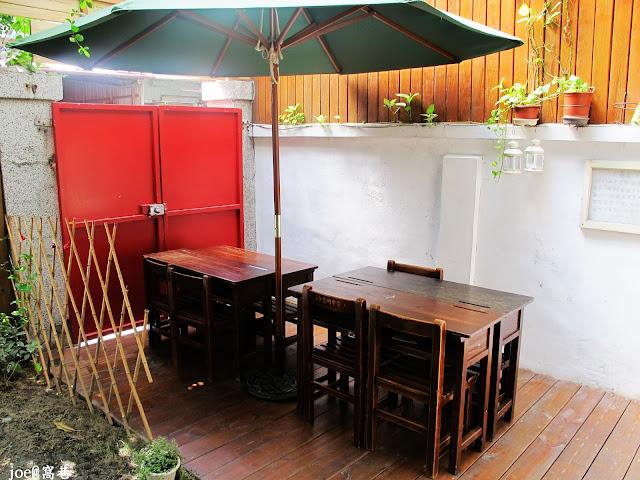 IMG 0232 - 【台中美食】窩巷 hidden lane 隱藏在巷弄間的甜點店 |咖啡 | 甜點|巷弄美食|蛋糕|藍梅塔|台中甜點店|老屋甜點|下午茶|