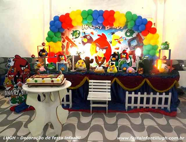 Decoração infantil tema Angry Birds para festa de aniversário