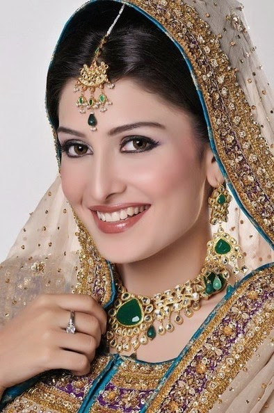 Ayeza Khan Hd Wallpapers-Show Biz Pakistan-7858