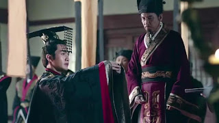 Sinopsis  The King's Woman Episode 1 - 2