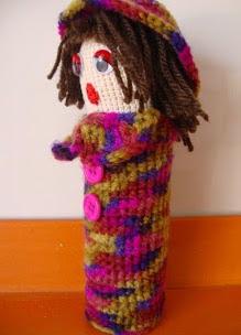 http://creacionesbatiburrillo.blogspot.com.es/2013/08/porta-ganchillos.html