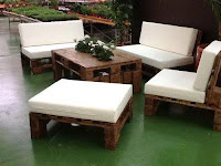 Juegos de living-comedor y salas de estar hechas con palets reciclados