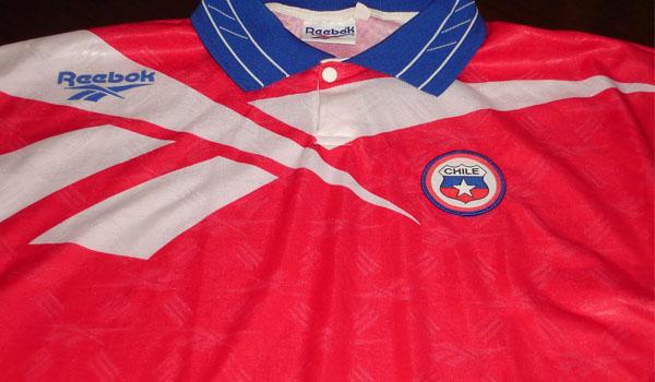 elFutbloglin  La camiseta  non grata  de Chile 7aec1fcdd1179