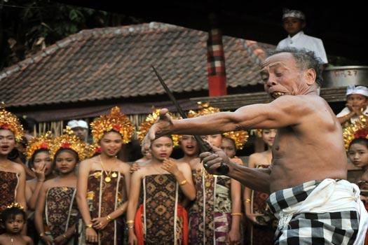 Rawa Rontek 8 Ilmu Ajian Sakti Indonesia yang Masih Digunakan sampai sekarang