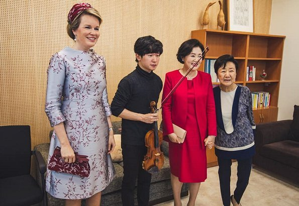 First Lady Kim Jung-sook at The Blue House. Natan Couture Embroidered organza dress