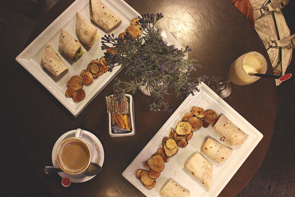 mesa cafeteria