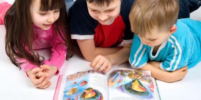 الدراسات الحديثة تؤكد على أهمية القراءة للأطفال في سن مبكرة