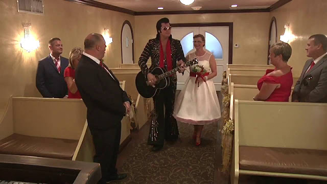 Dicas de Las Vegas: Como funciona o casamento na Capela Graceland Wedding