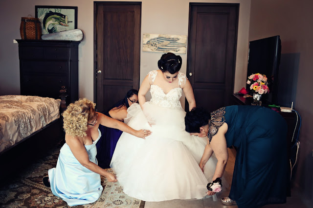 bride preparing for the wedding