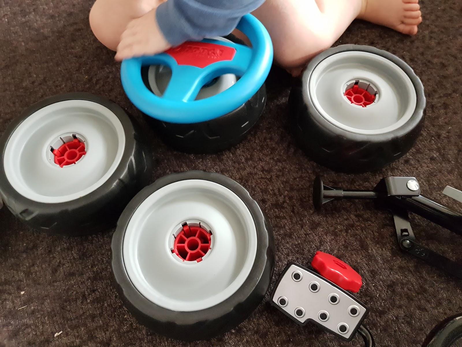 geschenke tipp f r kleine flitzer das hauck toys mini go kart turbo apfelb ckchen familienblog. Black Bedroom Furniture Sets. Home Design Ideas