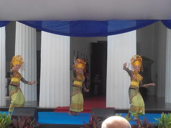 Berkunjung ke Pameran Foto ASEAN