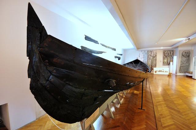 wczesnośredniowieczna łódź z oruni