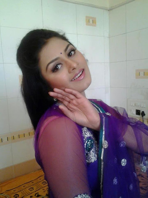 Tanushree Chatterjee best picture