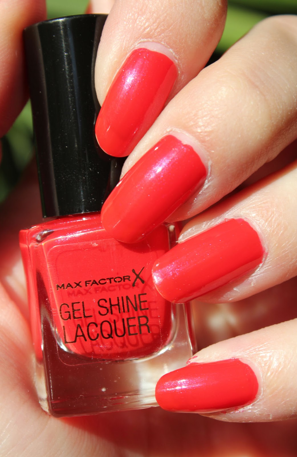 http://lacquediction.blogspot.de/2014/10/max-factor-gel-shine-lacquer-25-patent.html