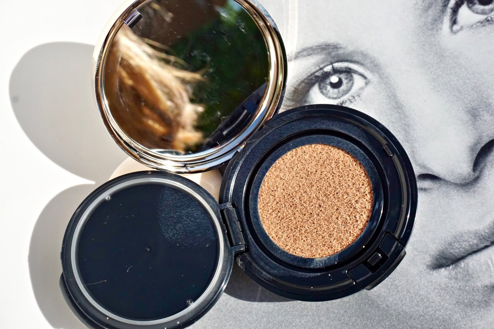 Cle de Peau Beauté Radiant Cushion Foundation
