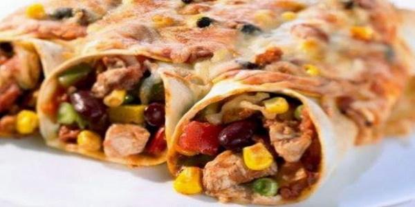 Εντσιλάδας: Πίτες με ψαρονέφρι, ανάμεικτα λαχανικά και τυρί