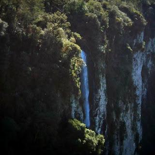 Cascata Véu de Noiva - Trilha do Cotovelo,  Parque Nacional de Aparados da Serra