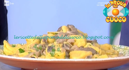 Tortelli di patate e mortadella con salsa ai funghi ricetta Spisni da Prova del Cuoco