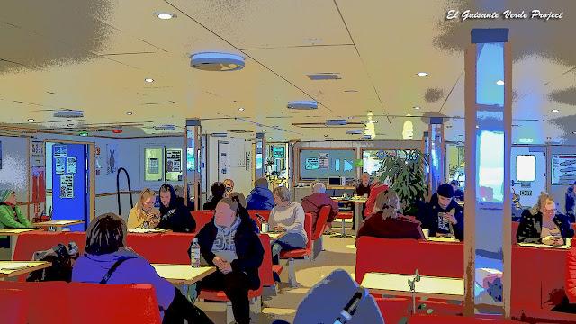 Ferri de Lyngseidet a Olderdalen por El Guisante Verde Project
