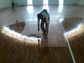 lantai kayu yang sudah di finishing