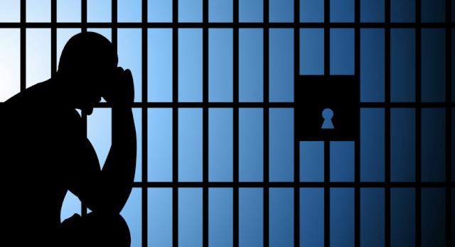 Actor James Woods held prisoner in 'Twitter jail'