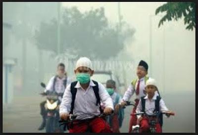 Mendikbud Himbau Sekolah Libur Saat Kabut Asap