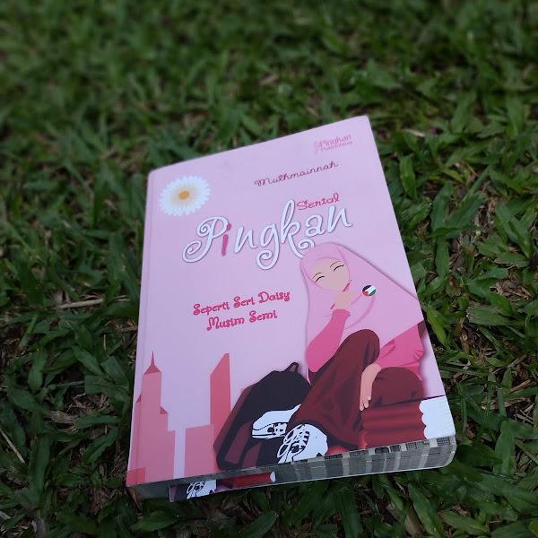 Resensi: Serial Pingkan Seperti Seri Daisy Musim Semi by Muthmainnah