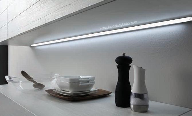 Regleta led continua mueble tu cocina y ba o - Iluminacion muebles cocina ...