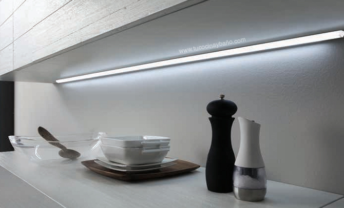 Regleta led continua mueble tu cocina y ba o - Led para cocina ...