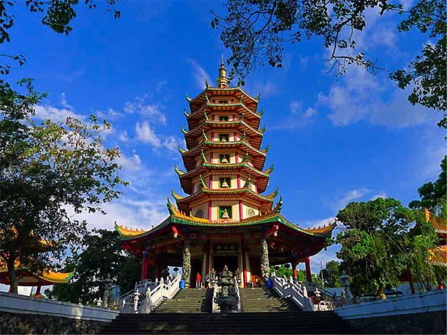 Tourism Central Java: Wisata Jawa Tengah Vihara Buddhagaya ...