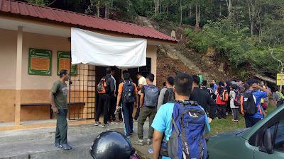 Image result for gunung angsi bukit putus