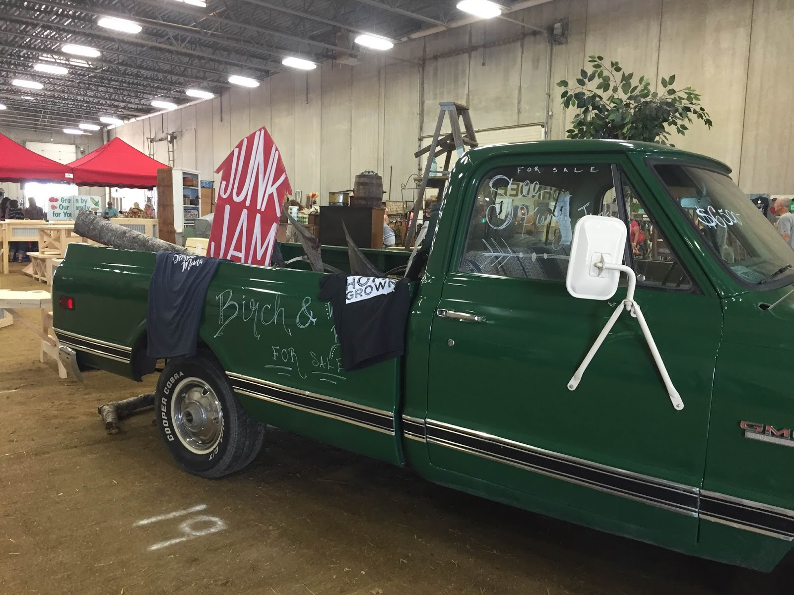 The Dabbling Crafter: Gone Junkin\': Brookings Junk Jam 2016