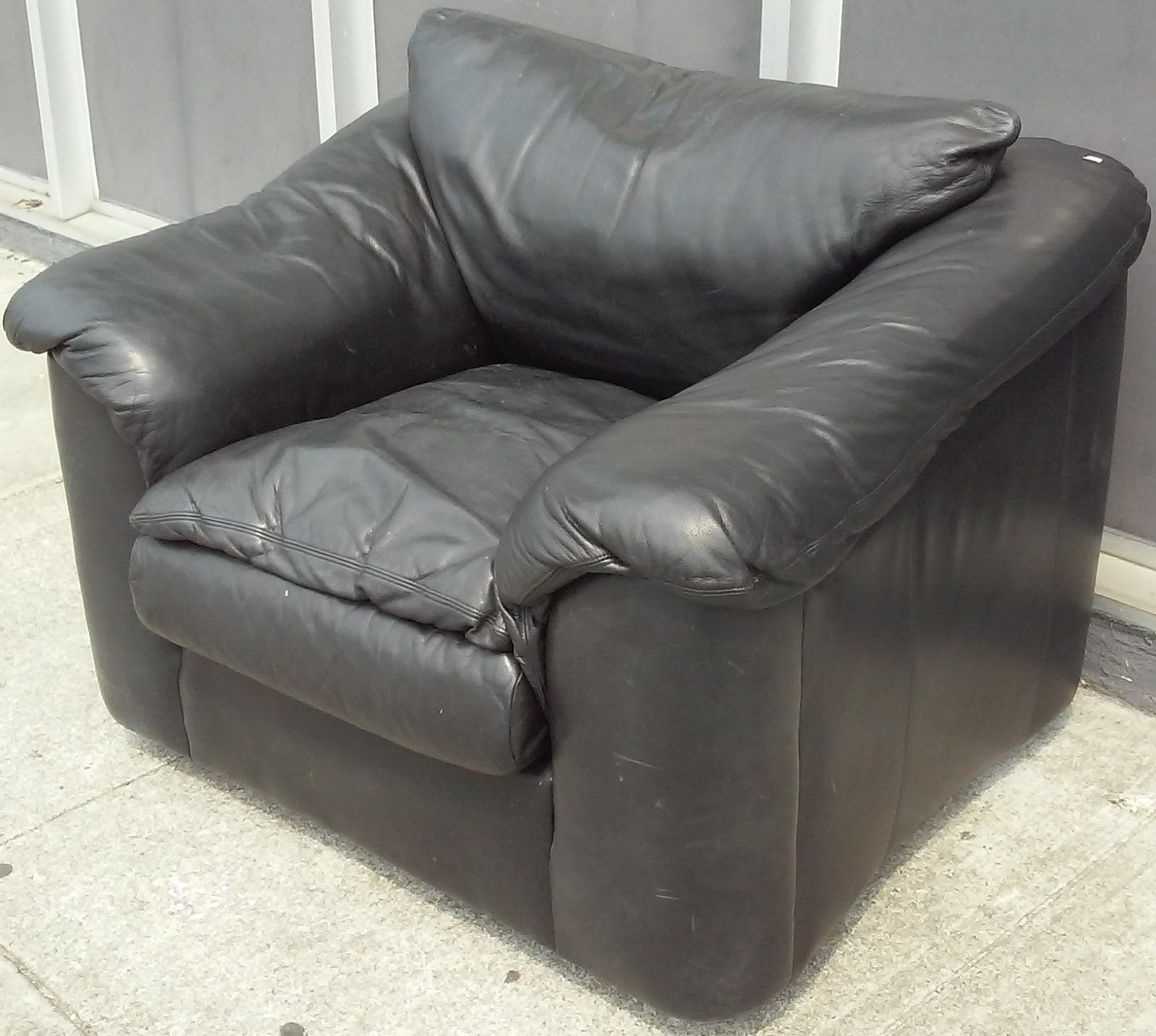 Plush Leather Chair Westfield Outdoor Zero Gravity Uhuru Furniture And Collectibles 16828 Black
