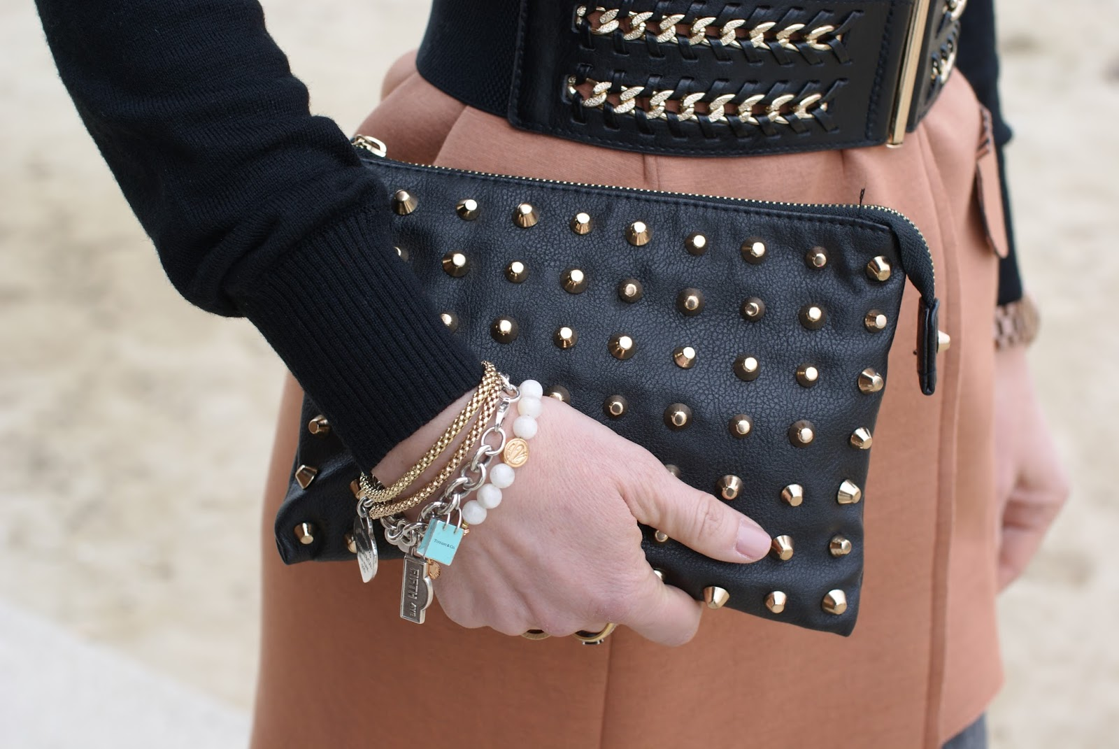 Zara studded clutch on Fashion and Cookies fashion blog, fashion blogger style