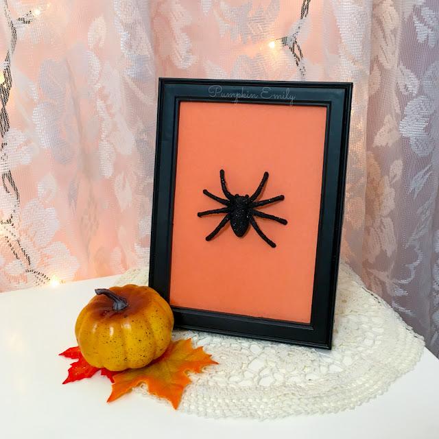 Halloween DIY Spider Frame Art