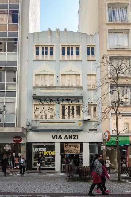 Edifício na Rua XV de Novembro 585