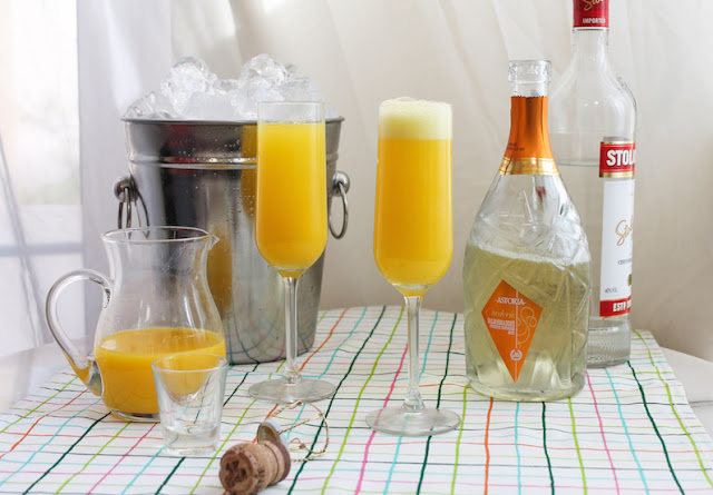 30 Simple Mixed Drinks
