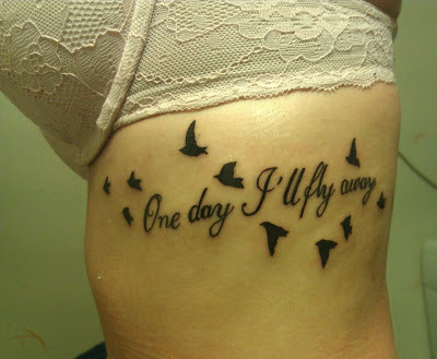 Tatuaje frase one day ill fly away