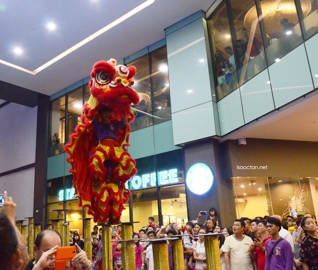 The very cool 24 Festive Drum Performance & High Pole Lion Dance.