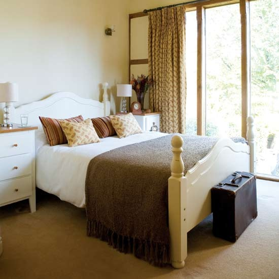 Cream Color Bedroom Ideas Small Bedroom Design With Desk Bedroom Sets Jacksonville Nc Bedroom Chairs Cheap: New Home Interior Design: Sweet Traditional Bedroom