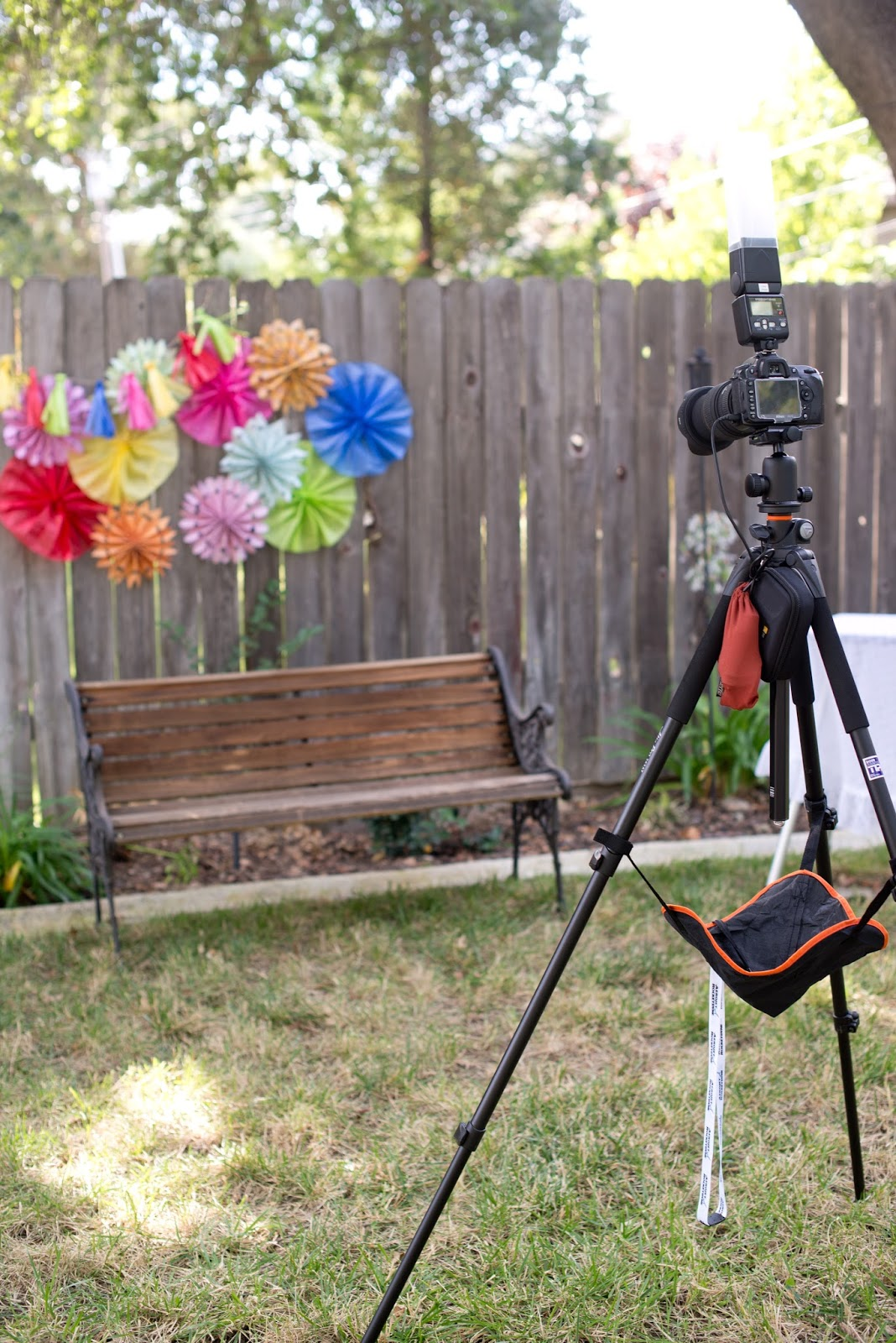 Domestic Fashionista: DIY Photo Booth Using Your DSLR Camera