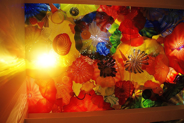 Chihuly, ROM, Royal Ontario Museum, Toronto, Exhibit, exhibition, culture, art, artmatters, glass blowing, american, sculptor, canada, the purple scarf, melanie.ps, Persian Ceiling