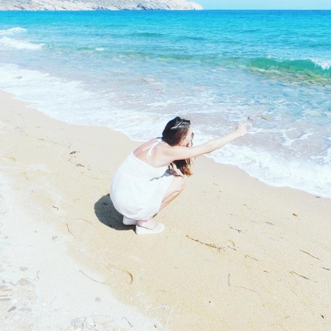 Jelena Zivanovic Instagram @lelazivanovic.Glam fab week.Ios island beaches.
