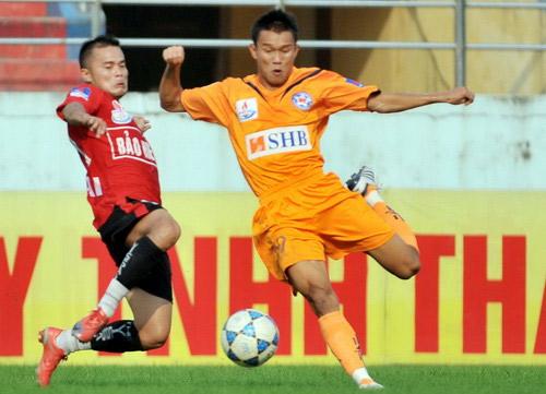 Thanh Hưng có lối chơi lì lợm và có khả năng sút xa đầy quyết đoán.